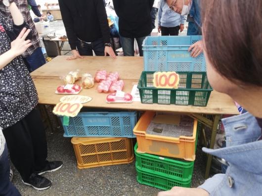 野菜・卵の販売