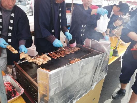 マグロのほほ肉・頭肉の串焼き